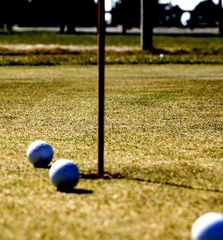 Pelotas_Hoyo_Raimat_Golf